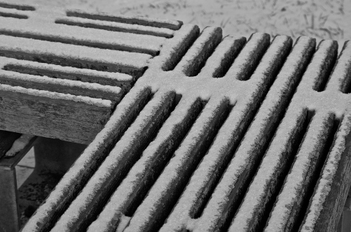 29/365: Snowy benches.